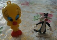 "Mixed Lot Set Tweety Bird Figure Pen 3.75"" & 1997 Sylvester Cat Figure WB 2.5"""