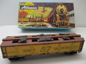"ATHEARN HO ""HEINZ PICKLE CAR CLOSED SIDES"" #1476  w/ Box & Instructions"