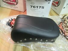 MUSTANG   PASSENGER REAR SEAT - STUDDED TOURING- HARLEY SOFTAIL HERITAGE / DELUX