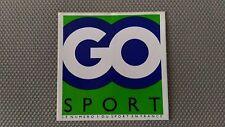 Autocollant Vintage « Go Sport » Très Bon Etat.