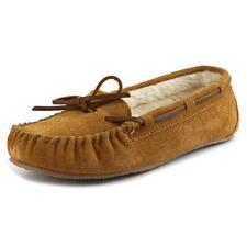 Zapatos planos de mujer Minnetonka color principal beige de ante