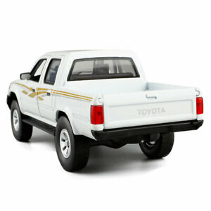 1:32 Toyota Hilux Pickup Truck Model Car Diecast Toy Vehicle Kids Gift White