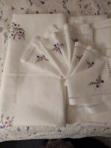 """57"""" X 84"""" Custom Embroidered Tablecloth w/8 Napkins White Linen w/Purple Flowers"""