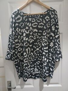 MARKS AND SPENCERS GORGEOUS LADIES BLACK/WHITE SLOUCHY TOP SIZE 22 VGC