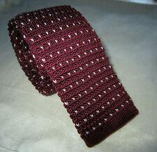 SUPERNOVA Skinny Burgundy Polka Dot Knitted Silk Tie Mod Indie Narrow 5 cm Scoot