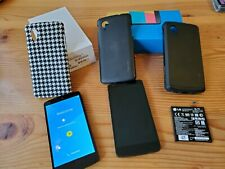 Lg Nexus 5 Lot : 2 Phones, 3 Cases, 1 Extra Battery