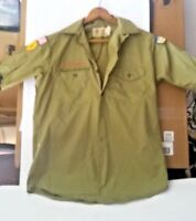 VINTAGE BOY SCOUTS OF AMERICA SHIRT WITH PATCHES NECK SMALL LOT 575