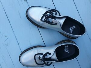 Silver Ladies Origional Dr Martin Shoes Uk Size 5