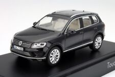 VW TOUAREG 7P II SE 3.0 V6 TDI DEEP BLACK FACELIFT 1:43 HERPA (DEALER MODEL)