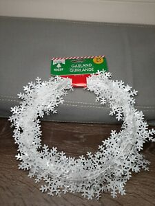 (1) Christmas Holiday Garland 25 ft. Foil White Snowflakes Christmas Decor
