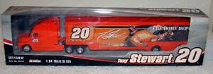 Tony Stewart #20 Home Depot 2005 Hauler Winners Circle 1:64 Nascar Racing