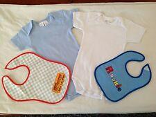 BNIP Baby Boy 00 Cute Blue White Short Romper Suits & 2 Bonus Plastic Back Bibs