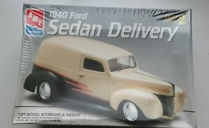 Amt 1940 FORD-SEDAN DELIVERY- 1:25