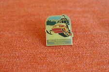 14042 PIN'S PINS USA MONTANA WEST YELLOWSTONE MOTONEIGE SNOWMOBILE - PARK