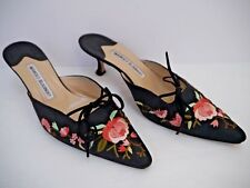 MANOLO BLAHNIK black floral embroidered silk mules kitten heels Italian 38.5