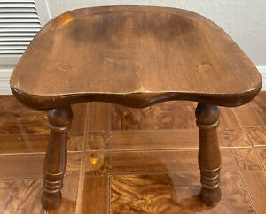 Vintage TELL CITY CHAIR CO. MAPLE WOOD MILKING STOOL MADE IN THE USA