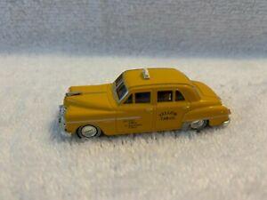 Mini Metals HO Scale 1950 Dodge Meadowbrook Sedan Yellow Cab #30229 loose