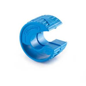 Adaptaflex Adaptacut 21mm diameter flexible nylon conduit pipe cutter