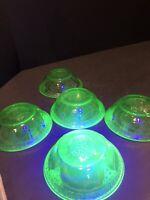 Vintage Set of 5 Embossed Wreath Vaseline Green Depression Glass Berry Bowls