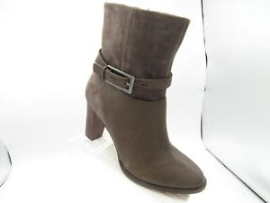 Clarks Kacia Garnet Size 9.5 M Brown Leather Chunky Heels Boots Shoes For Women