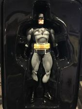 Dc Collectibles 75 years of BATMAN HUSH  figure with  tin JIM LEE