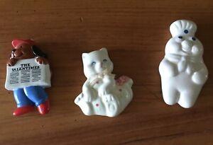 Lot oaf three Vintage Ceramic Magnets