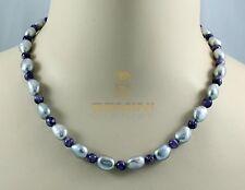 Perlenkette silbergraue Süßwasser-Perlen mit lila Charoit Halskette