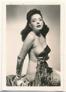 """EVELYN """"Treasure Chest"""" WEST Original 1950s Small Sexy Burlesque Photo vv"""