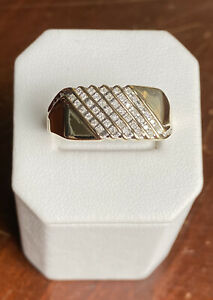 3.7g Men's 10K Yellow Gold .25 TCW Brilliant Round Cut Diamond Ring - Size 10.75