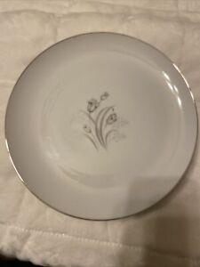 Creative Fine China   Royal Elegance   Dinner Plates   Platinum Trim   10 1/4