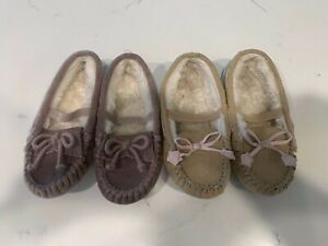 Pre-Owned Lot of 2 Cat & Jack Girls 9/10 Faux Fur Lined Moccasin Slippers