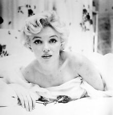 945 MARILYN MONROE Black & White 8.5 x 11 Glossy Picture Photo  NOT 8 X 10
