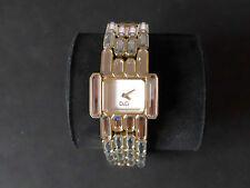 Montre femme Dolce & Gabbana  bracelet acier doré,strass baguettes sertis DW0473
