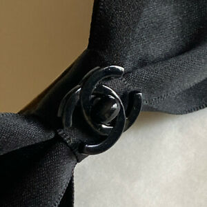 CHANEL BARRETTE Hair Clip Black Ribbon Bow Turnlock CC Logo Vintage with Box