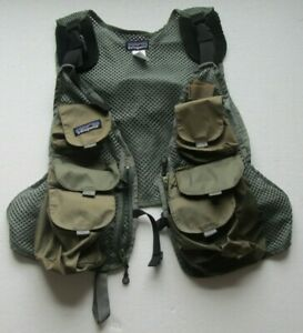 Patagonia Fly fishing Convertible fly Vest be used with Patagonia Pack In Olive