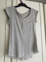 HOLLISTER WOMENS GREY BLOUSE SHORT SLEEVE TOP SIZE 8 XXS POCKET PIT TO PIT 16