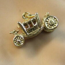 9 ct GOLD second hand queens coach charm