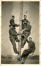 Foto, Wehrmacht, Nachrichtentruppe mit Steigeisen, (MB) 21164