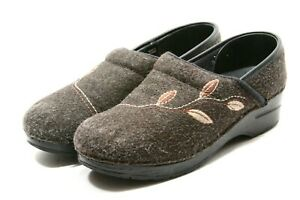 Dansko Pro Stapled CLOGS Womens Shoes size 39 8.5 9 Embroidered Wool Work Nurse