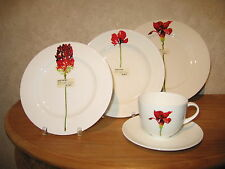 CLOU & CLASSIC *NEW* Red Flowers Set 3 Assiettes + 1 Tasse 60111