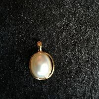Japanese Top luster White Oval 11x13mm Seawater Mabe pearl 9k Gold Pendant