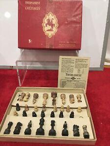 E.S. Lowe Magnetic Staunton Pattern Chess Set No. 805 Plastic Chessman 1945