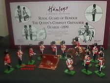BRITAINS 00105 HAMLEYS GRENADIER GUARDS ROYAL GUARD OF HONOUR TOY SOLDIER SET