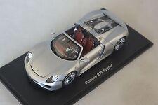 Spark S4244 - PORSCHE 918 Spyder 2014 argent   1/43
