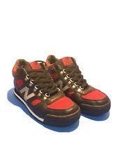 New balance 710 H710kR tamaño 9 Negro/Rojo