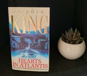 STEPHEN KING - HEARTS IN ATLANTIS - PAPERBACK - FIRST EDITION PAPERBACK
