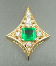 Beautiful Colombia Emerald 5.37 ct pendant 18k yellow gold with diamonds AGL