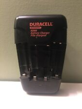 Duracell NiMH battery charger - 2 AAA & 4 AA batteries wall plug Model CEF14N