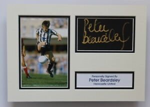 PETER BEARDSLEY Newcastle United SIGNED A4 Autograph Photo Mount Display + COA