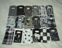 50 BLACK & WHITE SMALL PLASTIC GIFT JEWELLERY PARTY BAGS 15x9cm